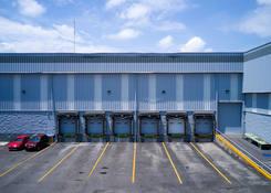 GDL003: Dock doors